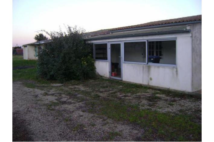 Vente terrain constructible la rochelle 17000 vendre for Constructeur maison individuelle 17000